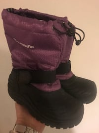 Girls winter boots  North Vancouver, V7K 2H4