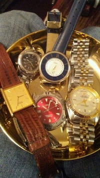 round gold analog watch with link bracelet Omaha, 68104