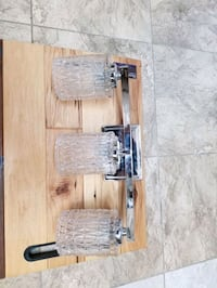 Crome crystal vanity light. New never used. Frederick