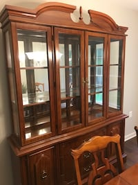 brown wooden framed glass display cabinet Leesburg, 20176