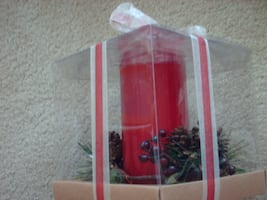 Red Pillar Candle with Pine Cone & Berry Candle Ring - New