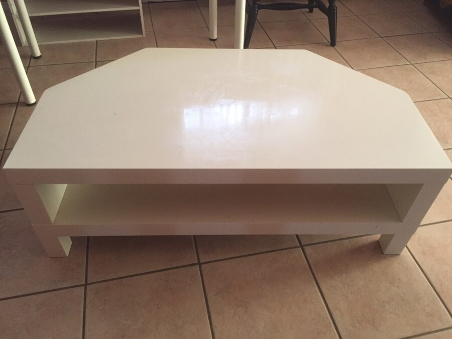 Used white wooden tv stand coffee table in chino hills for Table stand i 52 compose