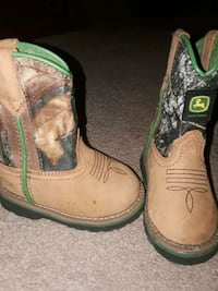 brown-and-green John Deere leather cowboy boots Houston, 77036