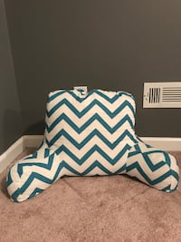 Brand New Hang Out Pillow Dallas, 30132