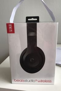 Matte black beats studio3 wireless headphones by Dr.Dre