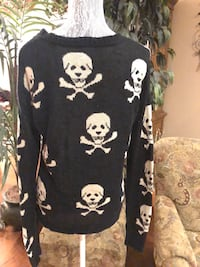 Sz M Crew Neck Sweater With Skull Design Jackson, 08527