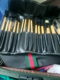 Brand new brush set  Toronto, M4H 1J6