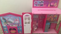 Collapsible barbie house
