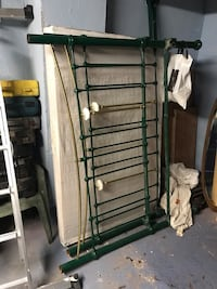 Green & Gold King-Size Bed Accrington, BB5 1BX