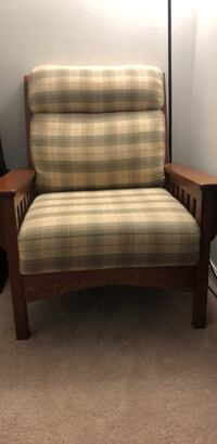 Nice Chair Hardly Used Great Price (Negotiable) Chantilly, 20151