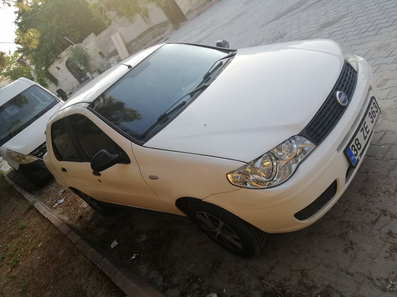 2011 Fiat Albea Sole 1.3 MJT 70 HP DYNAMIC CD Plus Paketli 500ee218-955e-4fc9-ab1d-8ab573399db4