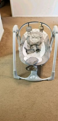 baby's gray and white portable swing Silver Spring, 20902