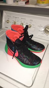 Nike HYPERDUNK2015 size 10.5 Mint St Catharines, L2T 1P9