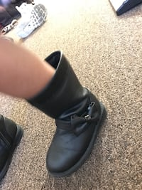 black leather boots Los Angeles, 91405