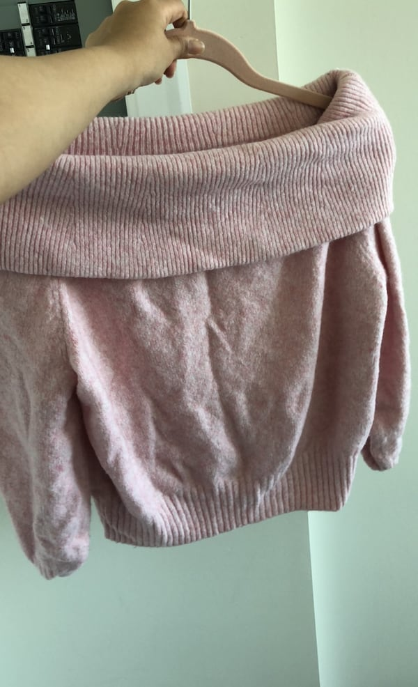 Thick pink xs sweater from hnm 289626a9-8f67-4724-a448-140be9eec936