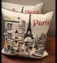 Like New! Set of 2 Beautiful Paris Decor Pillows