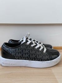 Michael Kors sneakers str. 33 Kattem, 7082