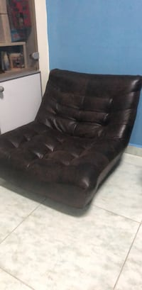 Brown leather twister sofa chair 15528 km