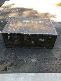 Antique WW II chest US Army Manassas, 20112