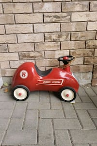radio flyer red roadster ride on