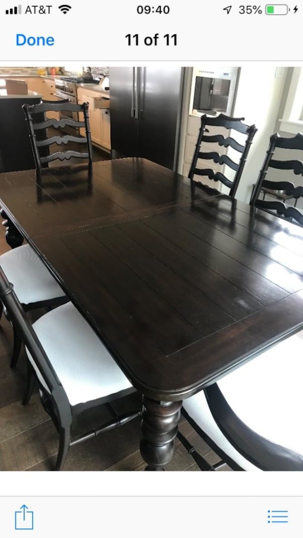 Dining room table w/6 chairs 62aac6d2-ce98-4adc-89af-c92ddf69ac4c