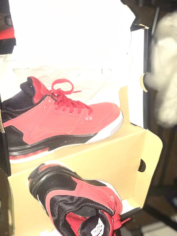 RetroRed suede Jordan's new in box size 7y 2