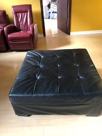 Black table good condition