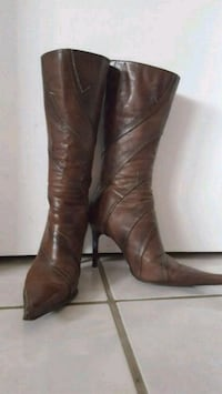 EUC Brown leather boots size 6 Pickering, L1W 2K3