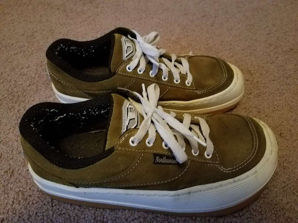 d308dbe5f5 Used Northwave Espresso sneakers for sale in Los Angeles - letgo