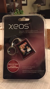 xeos digital photo keychain Red Deer, T4R 3L1