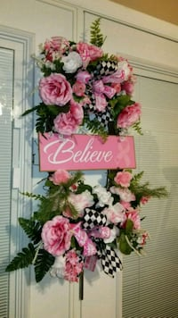 Believe Breast cancer awareness wreath Powell, 37849