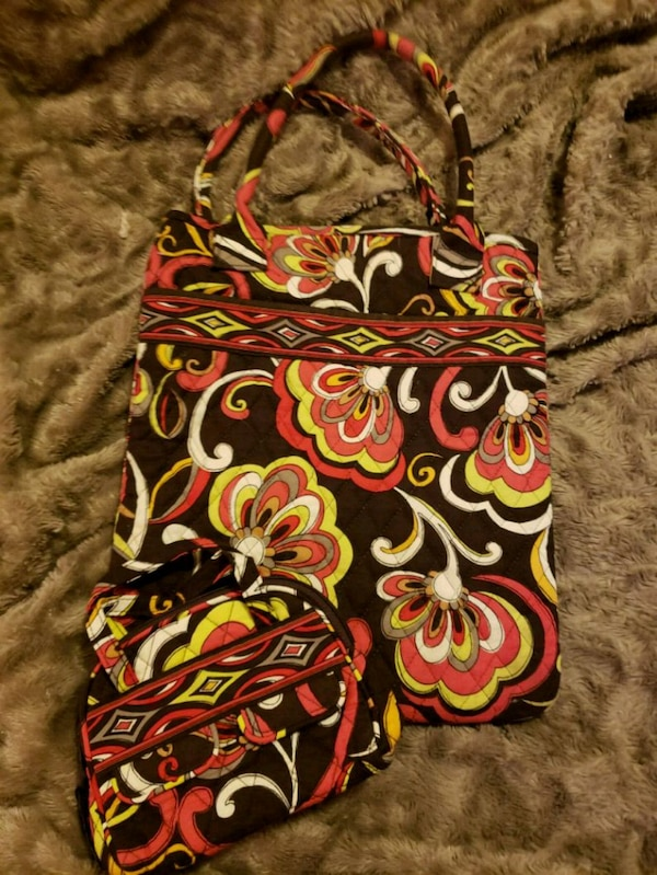 Used 2 Piece Like New Vera Bradley Tote Bag