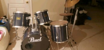 drum set Pearl's asking 500