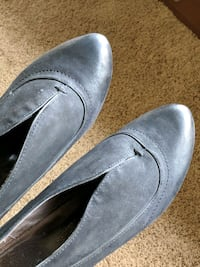 Womens size 9 pumps