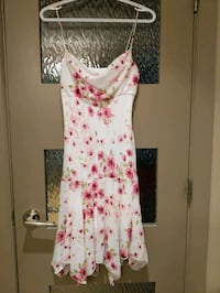 Scoop neck White floral dress with pink flowers with lining  size smal