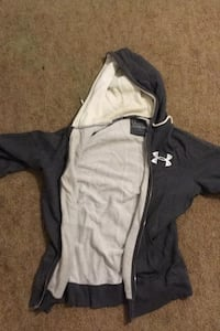 Large Under Armor Hoodie Pittsburgh, 15206