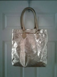 Gold metallic tote bag,leather straps. Howell, 07731