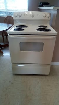 GE electric stove. Lake Placid, 33852