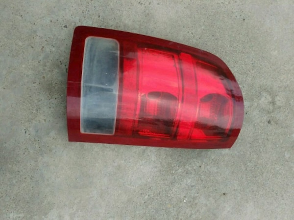 07-13 gmc sierra used taillight