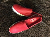 Auth Michael Kors Colby Slip On Red Embossed Leather Women's Shoes Vancouver, V5Y 0J5