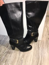 150$-size 6-NEW!!!gorgeous black leather boots with gold detailing never used!! Smoke free home  London, N5W 6E3