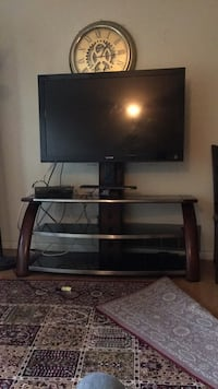 black flat screen TV with stand Mississauga, L5L 2M3