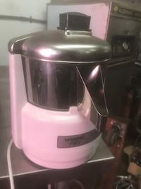 Waring-Pro Professional Quality Juice Extractor (NEW) New York