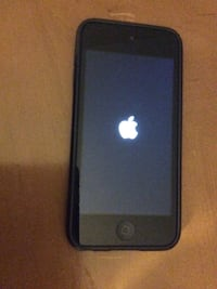 Ipod 5 space grey with case and portable charger 32GB Sherwood No. 159, S4X 0G4