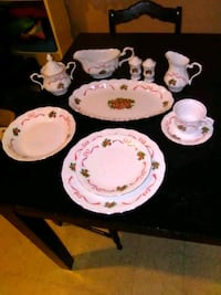 """REDUCED"" Make an Offer Porcelai Holiday Dishes -  Shippensburg, 17257"