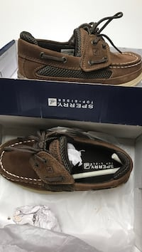 pair of brown Sperry boat shoes with box Roswell, 88201