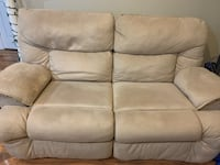 Love seat reclining couch  Alexandria, 22306