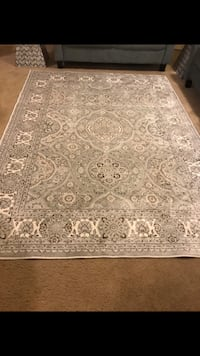 """Brand new rug 5.1x7.7"""" light floral gray never used check out my other listings on this page interested pm me in Gaithersburg md 20877 smoke pet free home  Gaithersburg, 20877"""