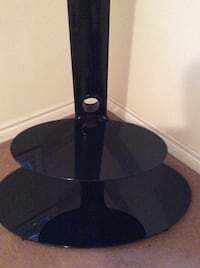 Almost new tv stand  Milton, L9T 8G1