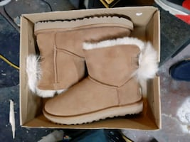 UGG : Fluff Bow Mini Boots (Womans)
